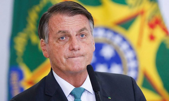 x95276618_Brazils-President-Jair-Bolsonaro-looks-on-during-a-ceremony-at-the-Planalto-Palace-in-Bras.jpg.pagespeed.ic.SVpc2vH64K